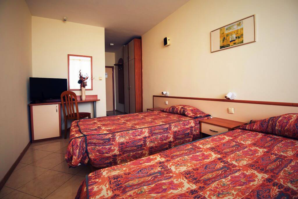 Double room with two different beds, Hotel SPS